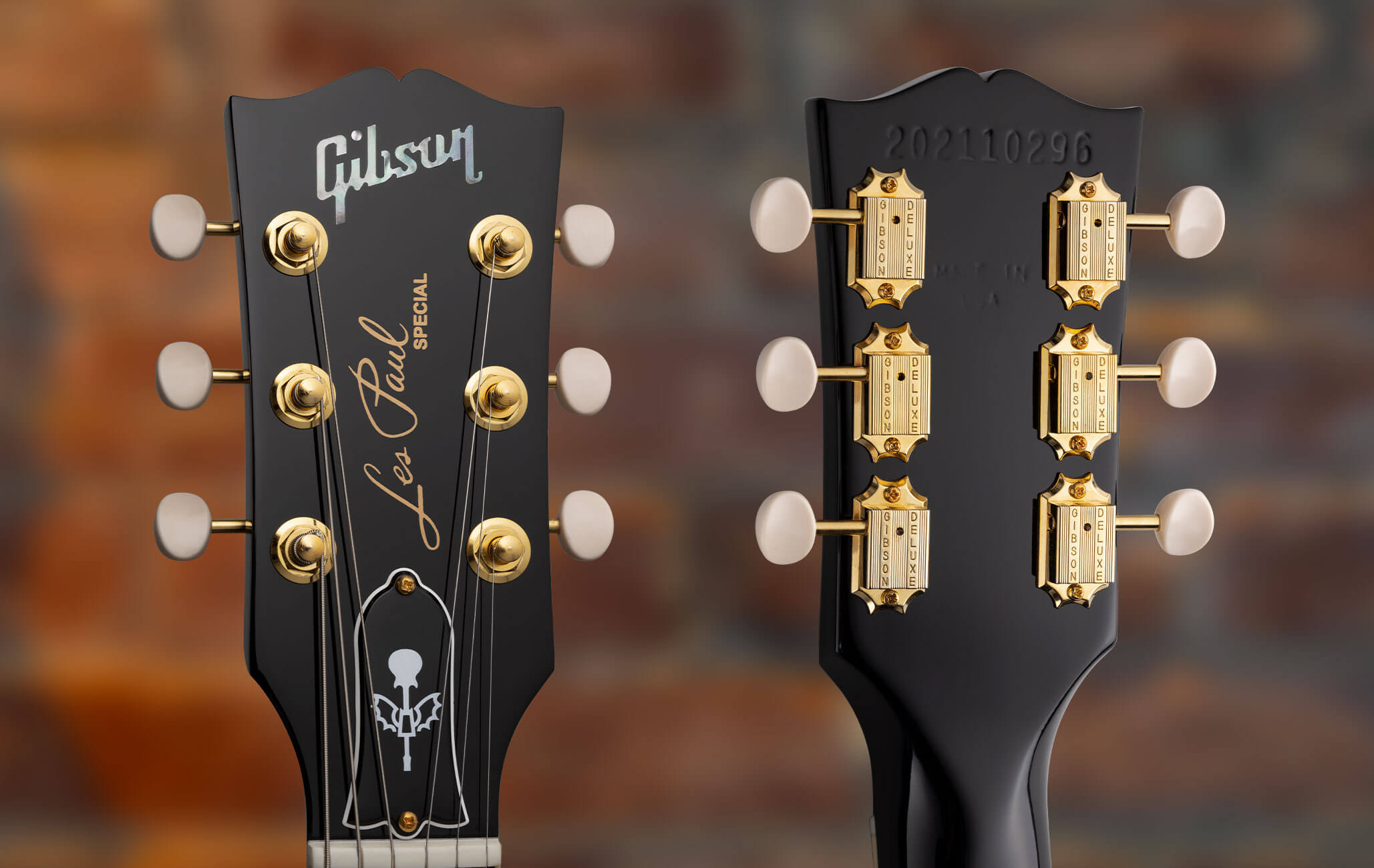 Gibson Signature Guitar Features Gold Hardware and a Custom Truss Rod Cover