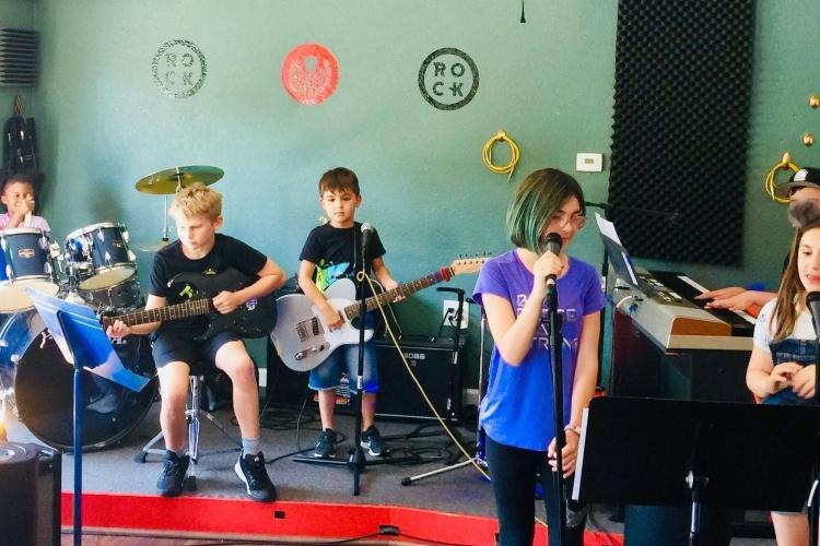 Rock 101 - Queen Camp