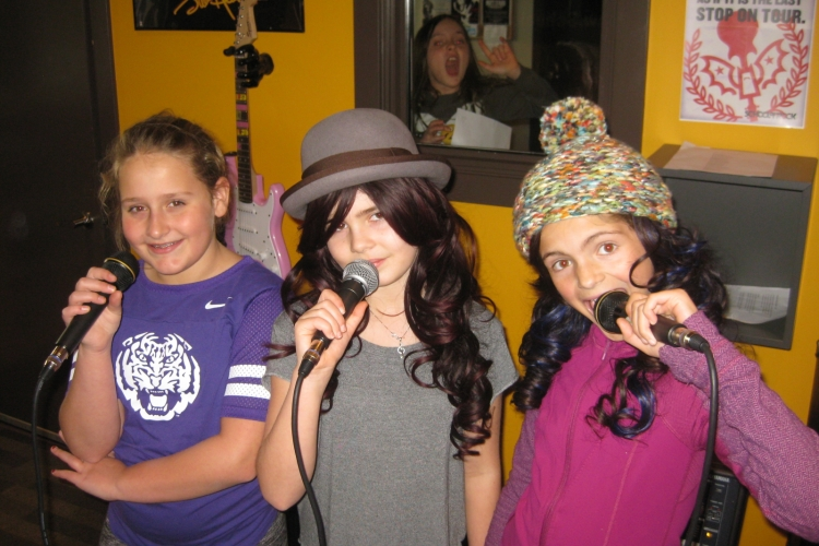 Summer Divas and Rockers Vocal Camp