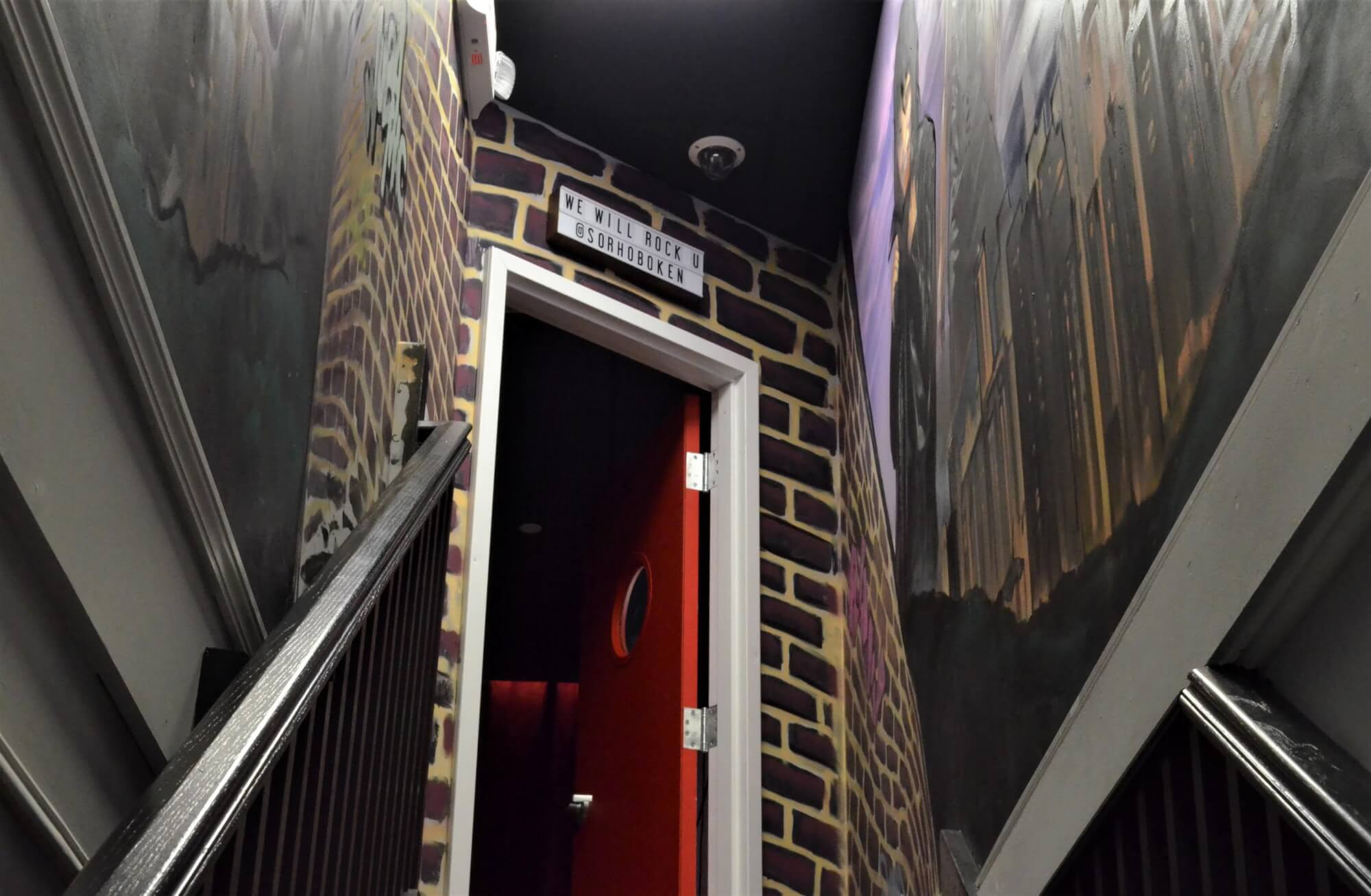 This is your view when entering the club/stage room.