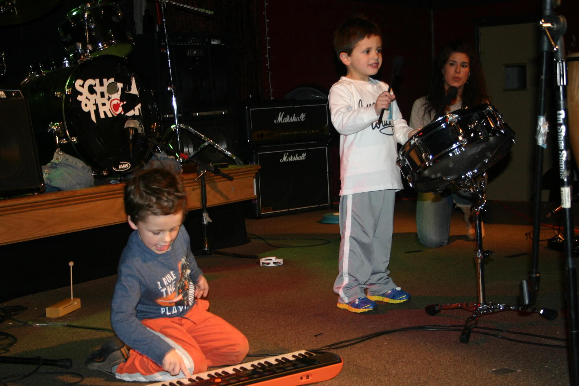 Little Wing! Innovative preschool music classes for 4 & 5 year olds.