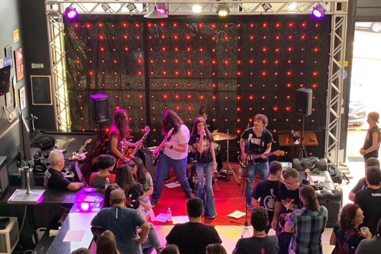 Show da House Band na Máfia da Navalha Swiss Park
