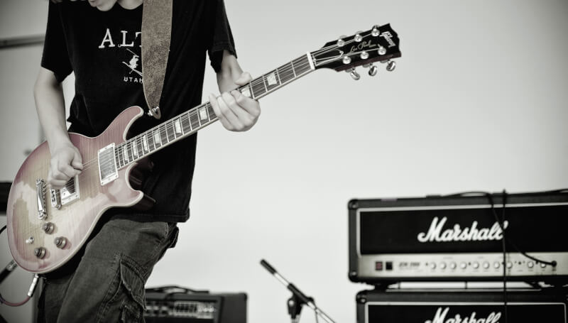 Beginner's Guide to Tuning a Guitar