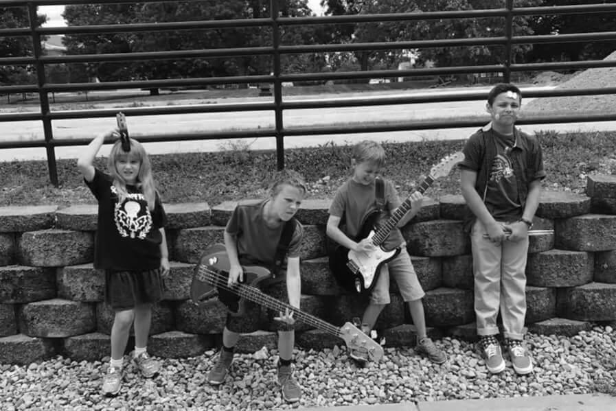 Estagios musicais para crianças na School of Rock