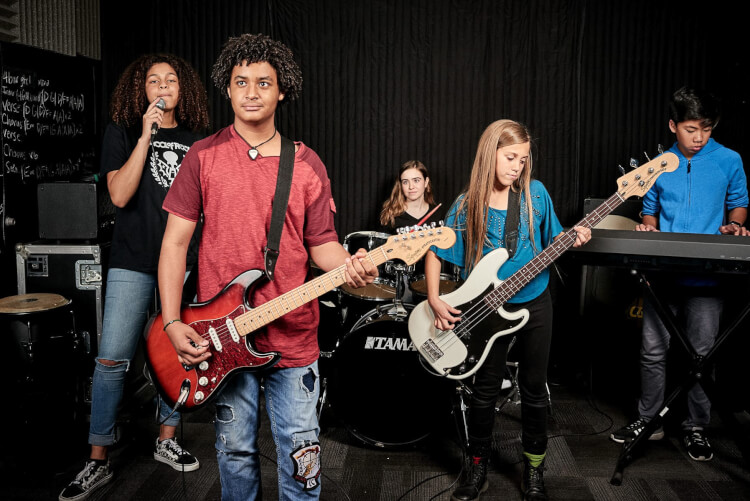 Alumnos audicionando para House Band de School of Rock