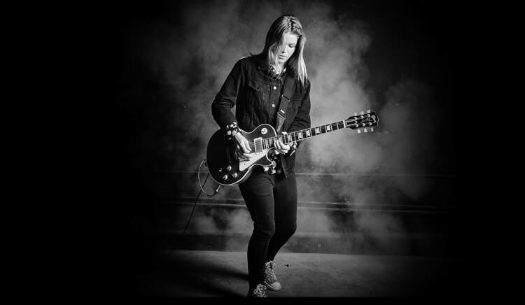 El programa de música para adultos de School of Rock sitúa a los alumnos según el nivel