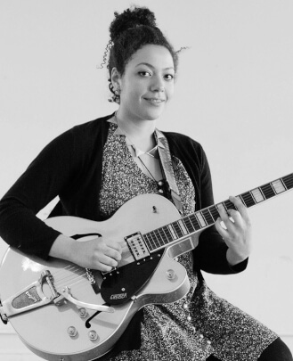 Guitar Teacher, Keyboard Teacher, Singing Teacher Ana Gomulka