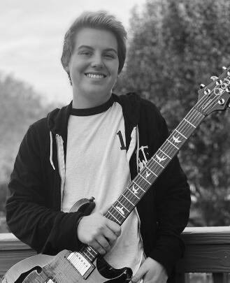 Bass Guitar Teacher, Guitar Teacher, Singing Teacher Andy Wright