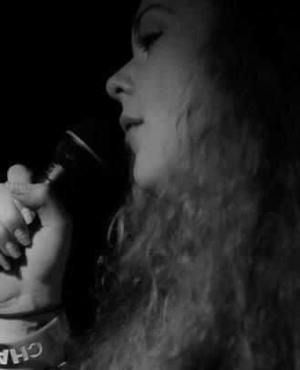 Singing Teacher Siobhan Beckett