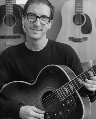 Bass Guitar Teacher, Guitar Teacher, Keyboard Teacher, Singing Teacher Jason Berk