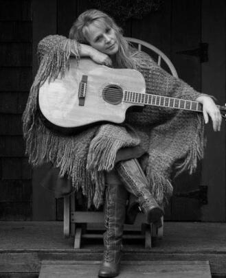 Guitar Teacher, Singing Teacher Betsy Listenfelt