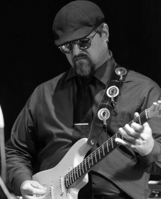 Guitar Teacher, Bass Guitar Teacher BRIAN LEE