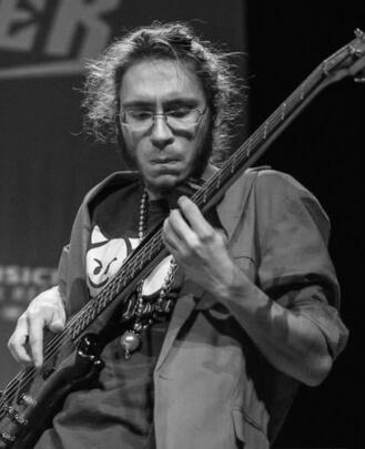 Bass Guitar Teacher, Singing Teacher Jared Davis