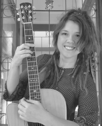 Guitar Teacher, Keyboard Teacher, Singing Teacher Jeannie Fehr