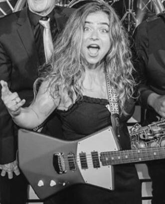 Guitar Teacher, Bass Guitar Teacher Jess Araten
