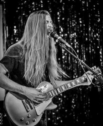Bass Guitar Teacher Kevin Dickel