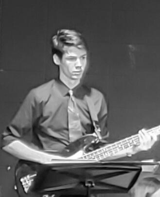 Bass Guitar Teacher, Guitar Teacher, Keyboard Teacher Kris Kusnierz