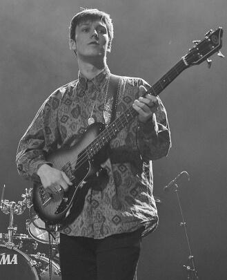 Bass Guitar Teacher, Guitar Teacher, Piano Teacher Lucas Saur