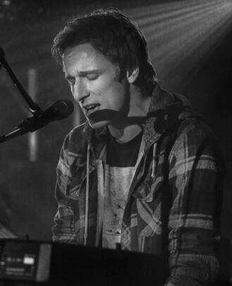 Guitar Teacher, Keyboard Teacher and Singing Teacher Nick Temte