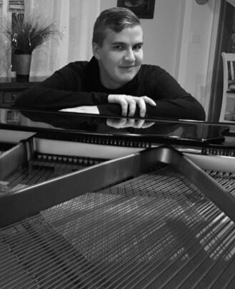Keyboard Teacher Nicholas Filomeno