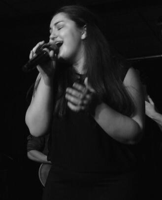 Singing Teacher Nikki Bellini