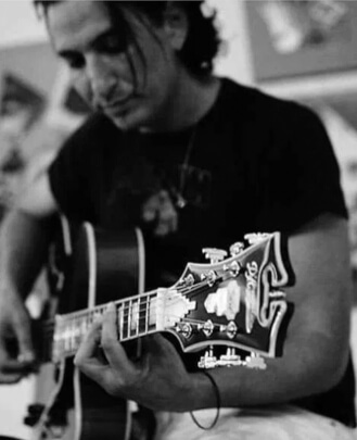 Guitar Teacher, Bass Guitar Teacher, Drum Teacher Jonny Polonsky