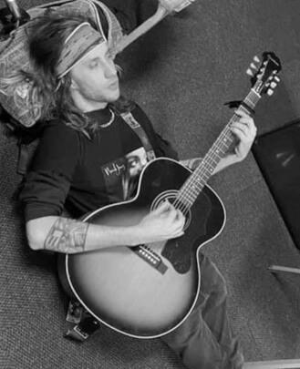 Guitar Teacher, Bass Guitar Teacher, Drum Teacher Preston Treece