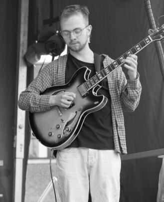 Guitar Teacher, Bass Guitar Teacher, Keyboard Teacher George Schatzlein