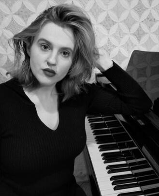 Singing Teacher, Piano Teacher Dianna Dennis