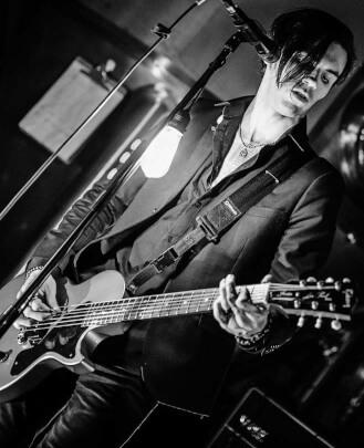 Guitar Teacher Tom Kunzman